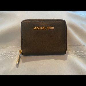 Michael Kors Compact Zipper Wallet